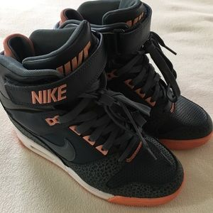 online retailer f4945 93482 ... Nike Shoes - Nike are revolution sky hi High Dunk soze7 ...